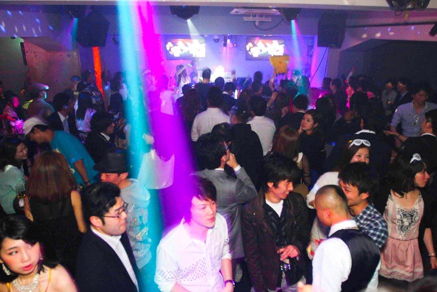 dance-floor-2-genius-tokyo-june